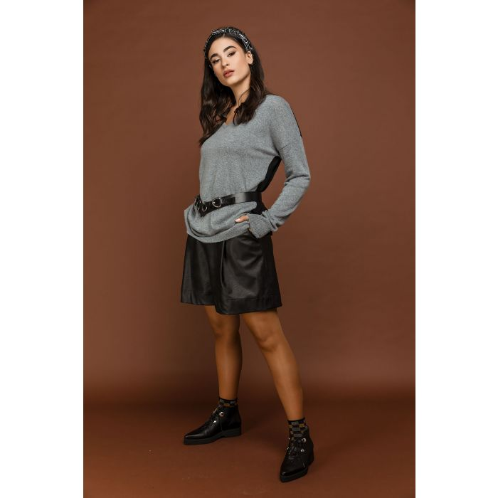 Image for Black faux leather bermuda shorts by si fashion