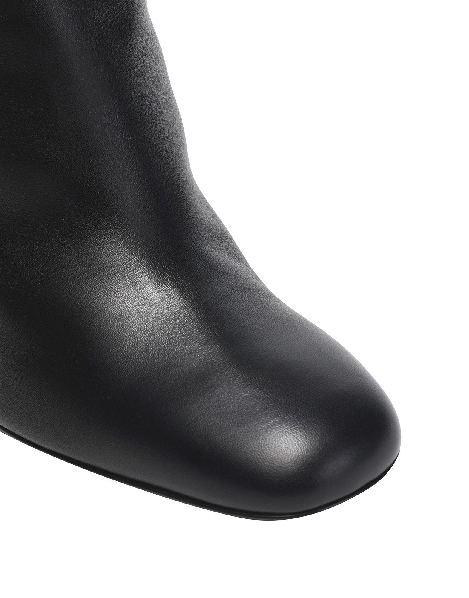 Roger Vivier Women's Boots Black Calf