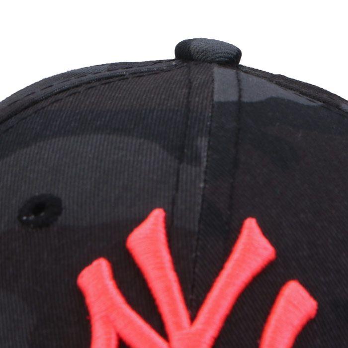 New Era Camo Essential Nyy Cap in Camo