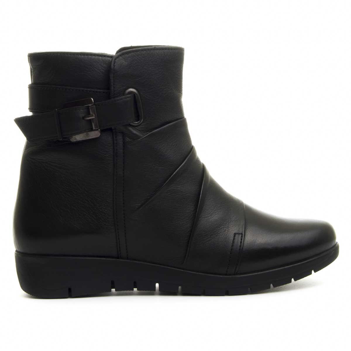 Purapiel Flat Ankle Boot in Black