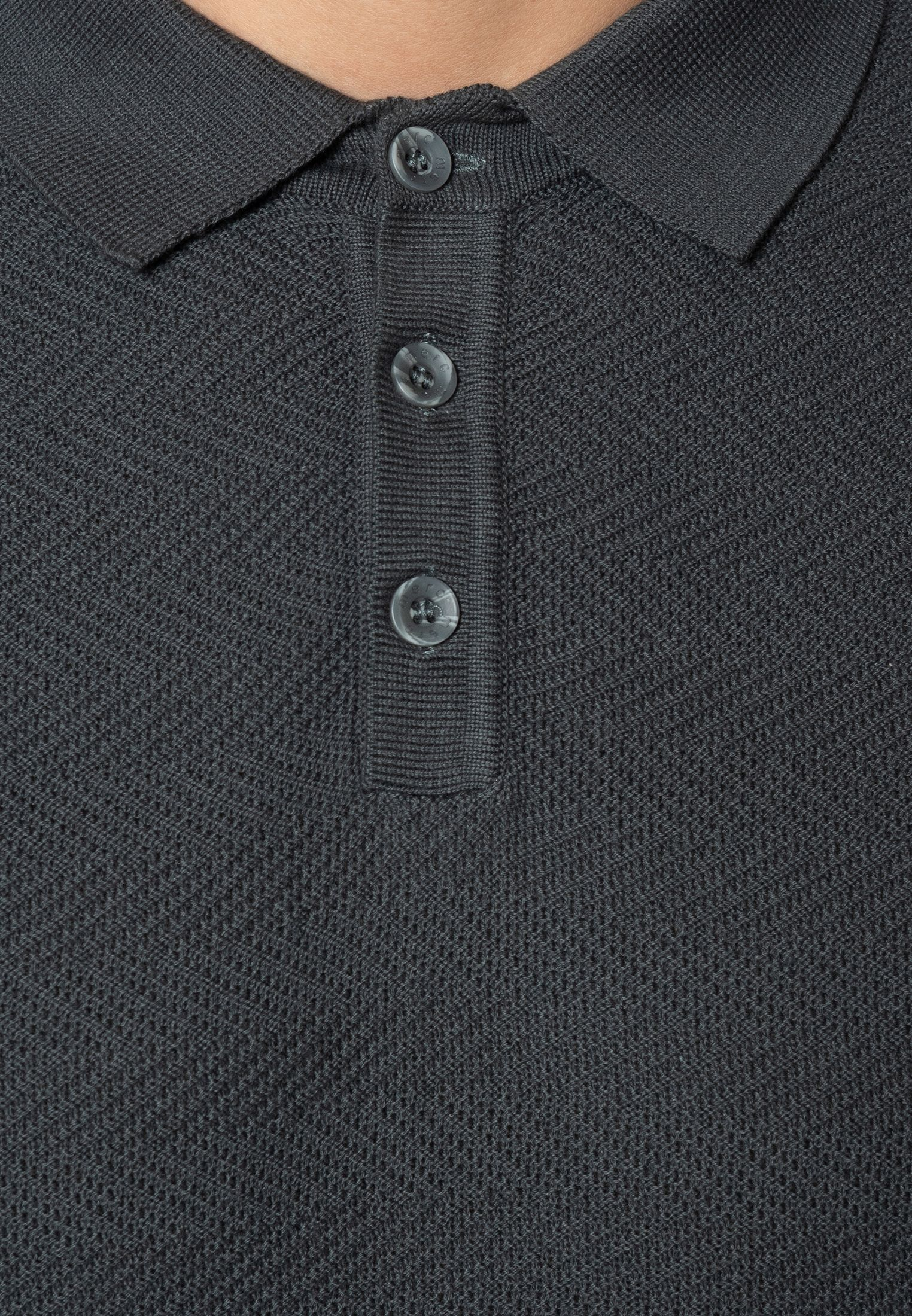 Clive Chevron Stitch Knit Polo With Ribbed Hem In Combat Green