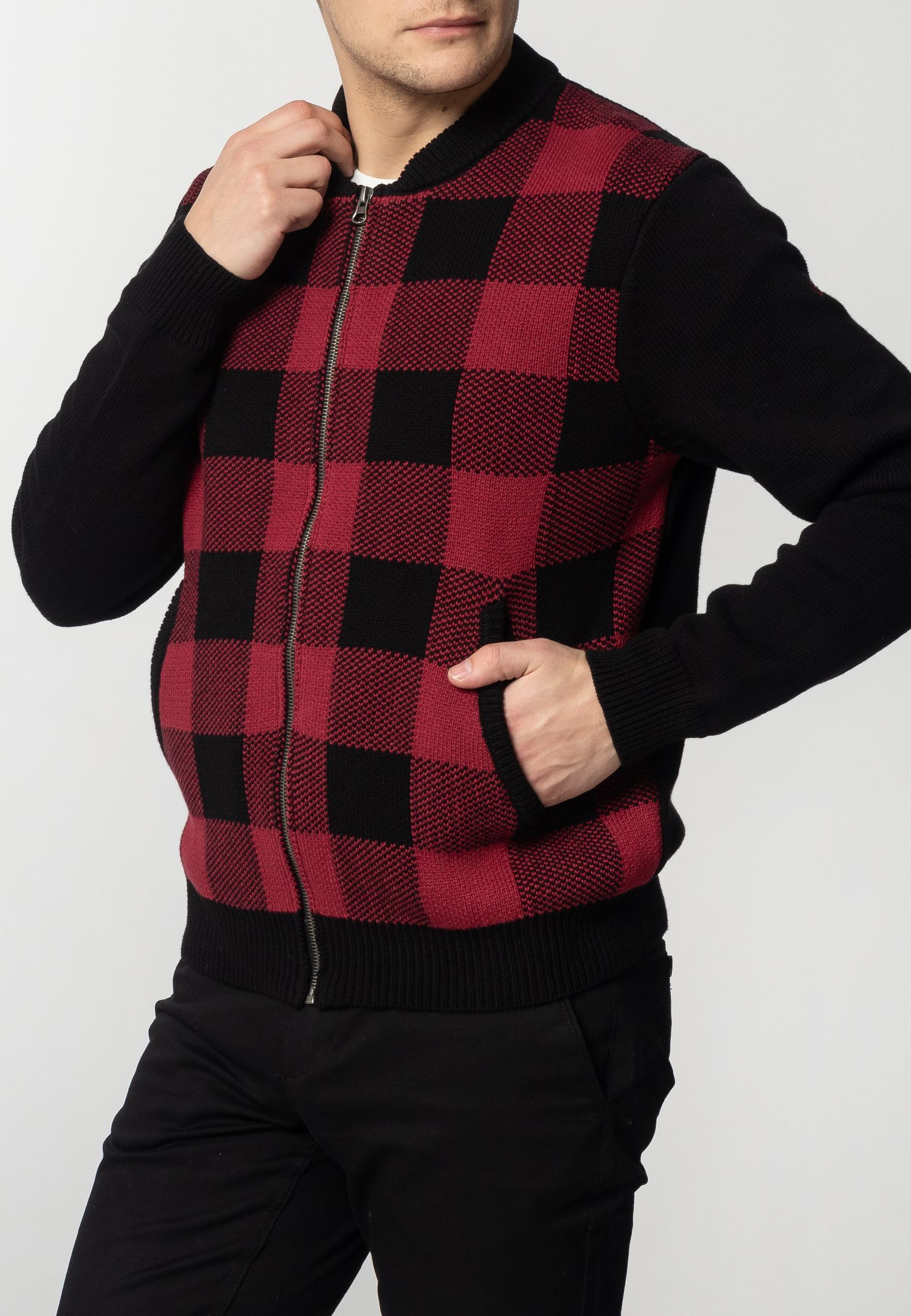Apollo Mens Chunky Cotton Cardigan With Large Check Pattern In Black/Red