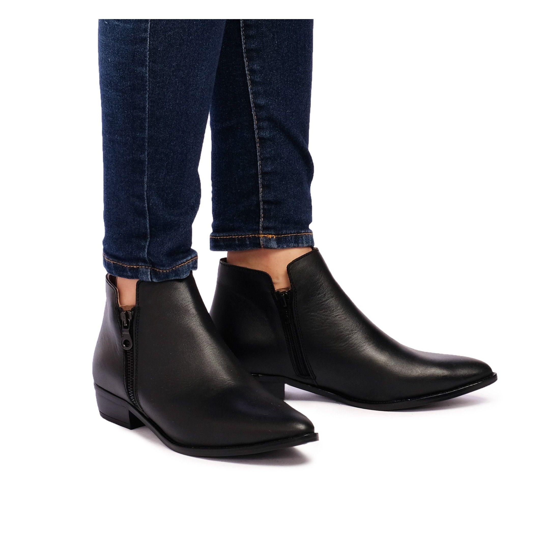 Eva López Leather Ankle Boots Black Woman