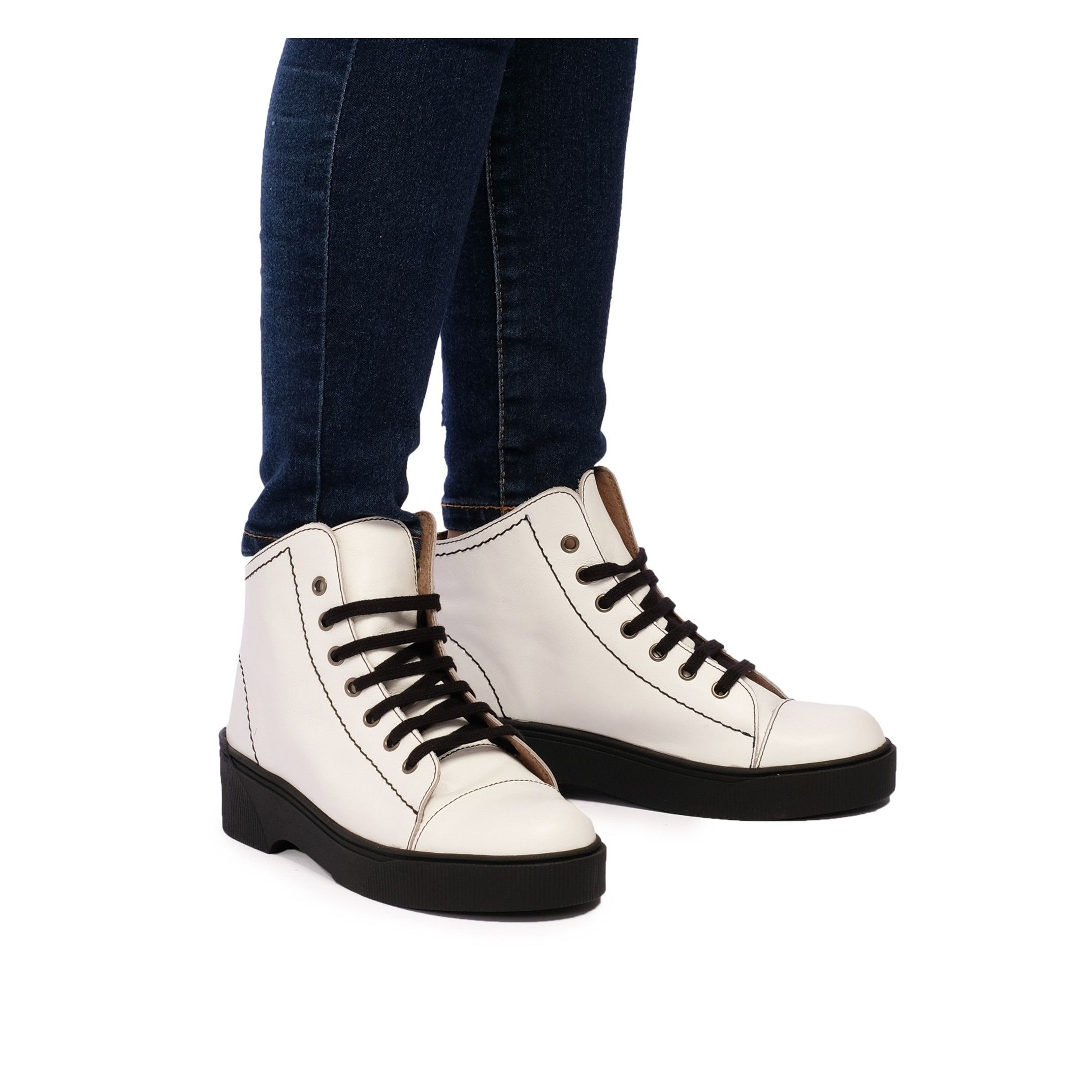 María Barceló Leather Ankle Boots White Woman