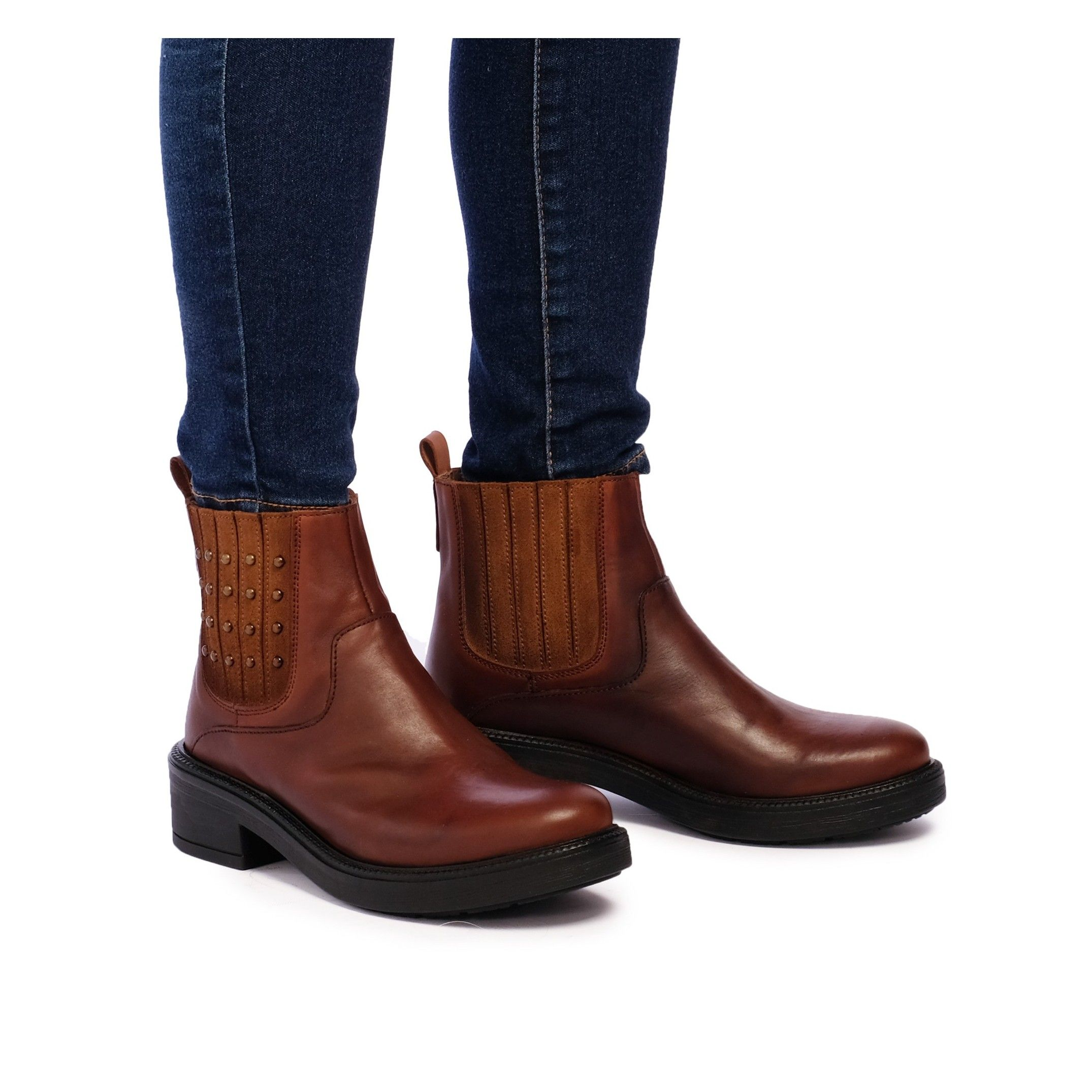 María Barceló Leather Ankle Chelsea Boots Brown Color Women