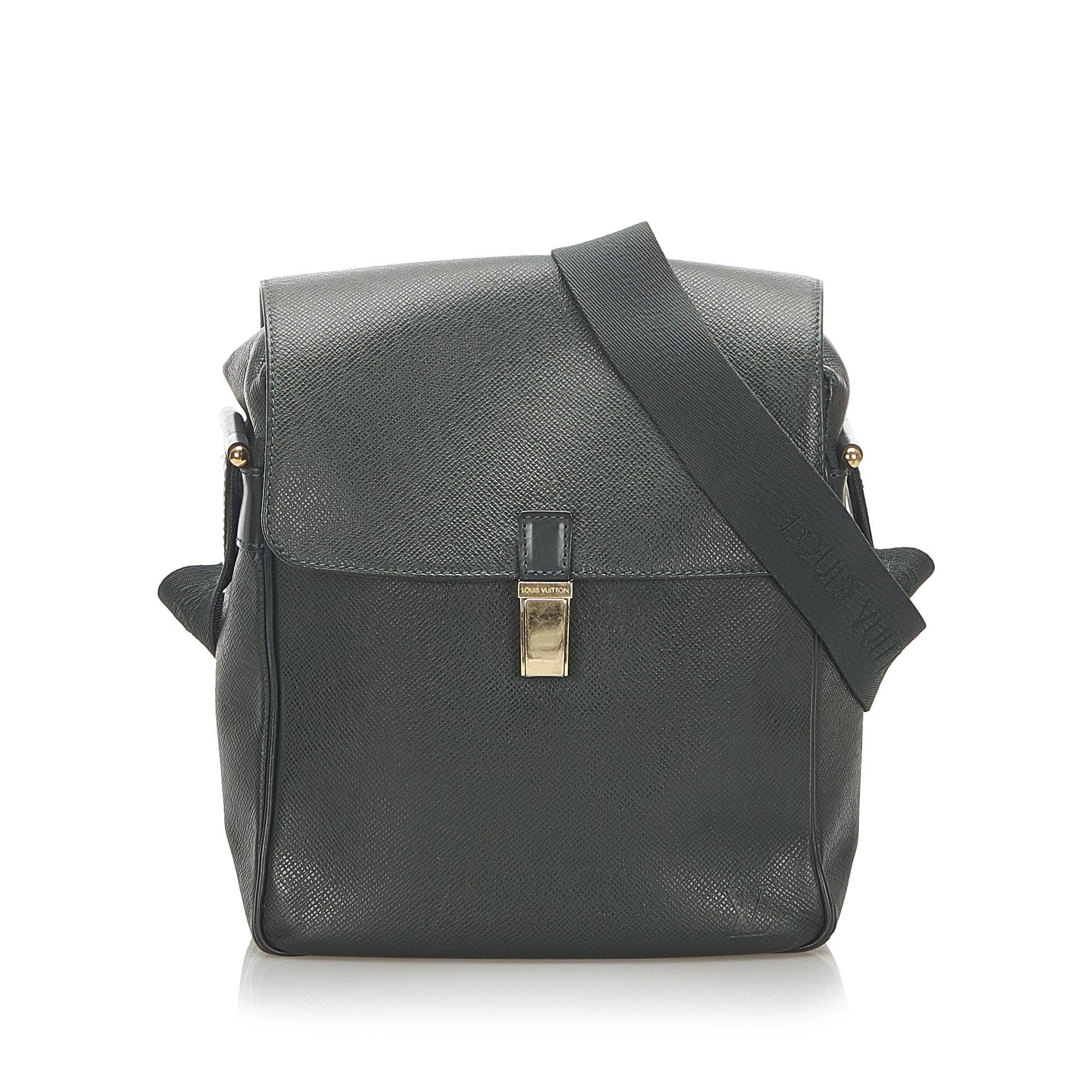 Vintage Louis Vuitton Taiga Yaranga Black