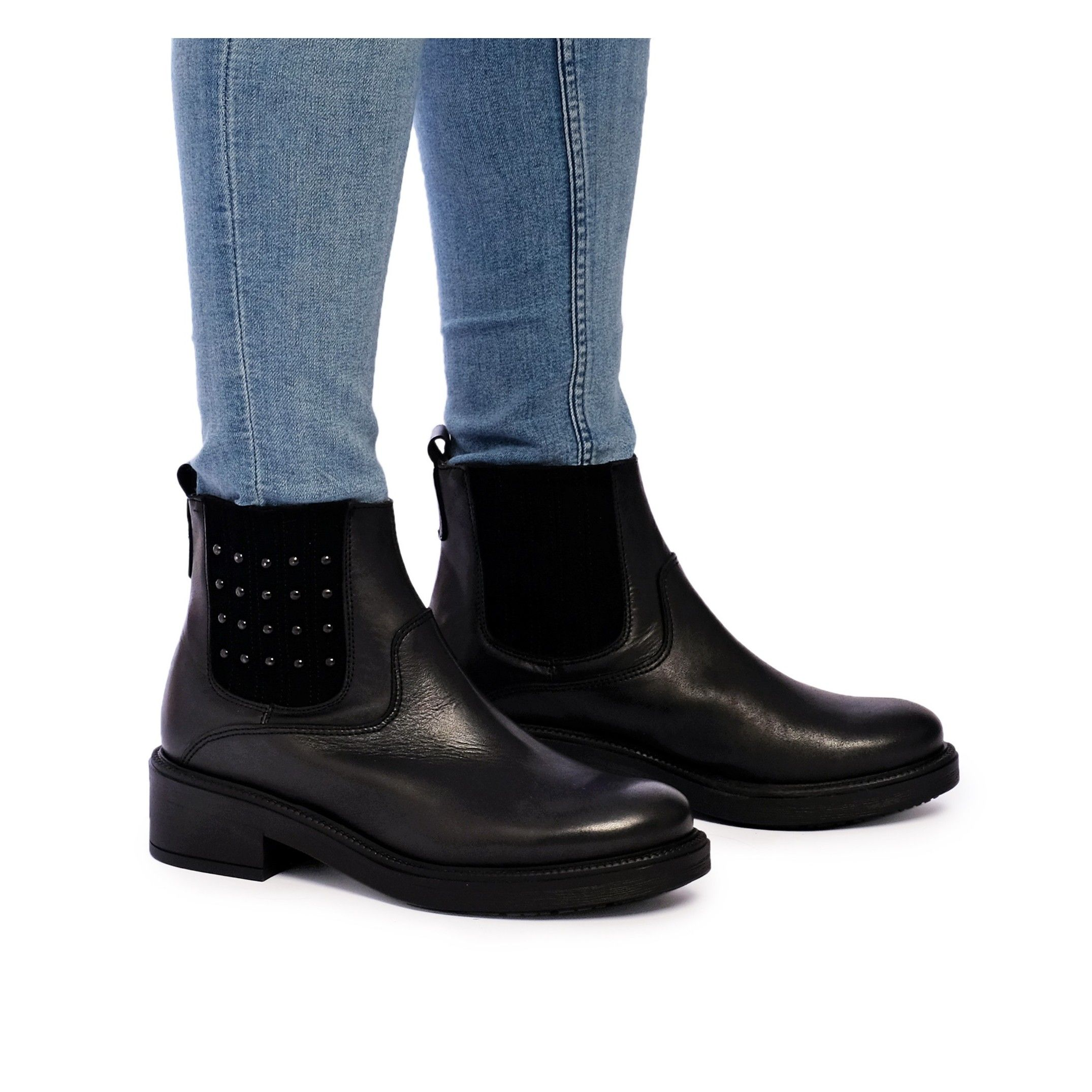 María Barceló Leather Ankle Chelsea Boots Black Color Women