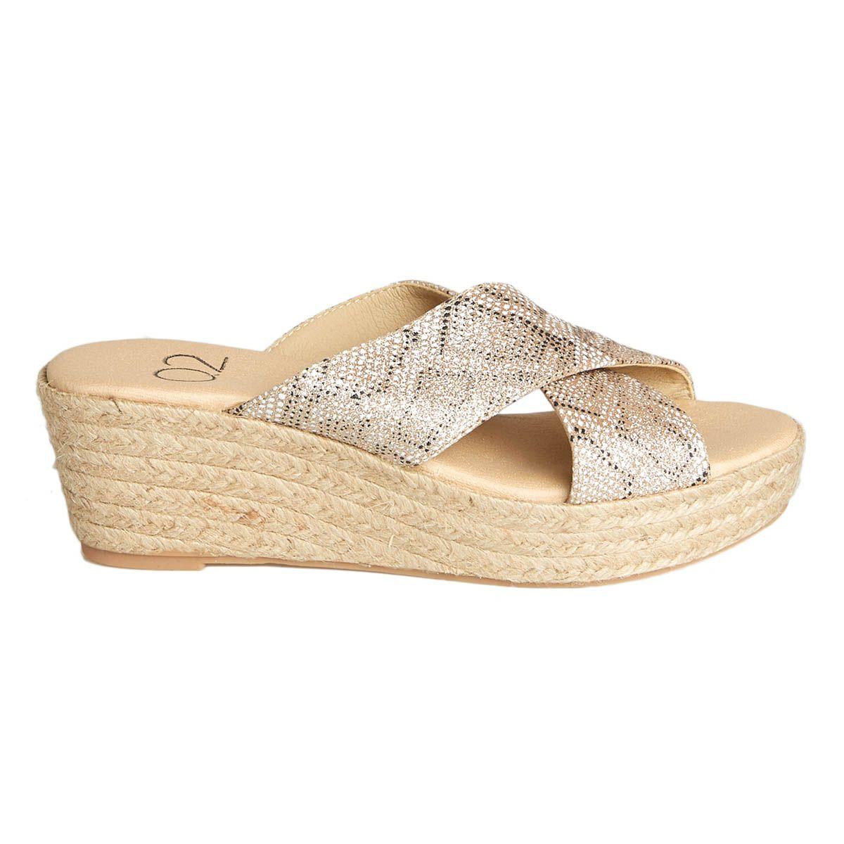 Leindia Sparto Wedge Sandal in Gold