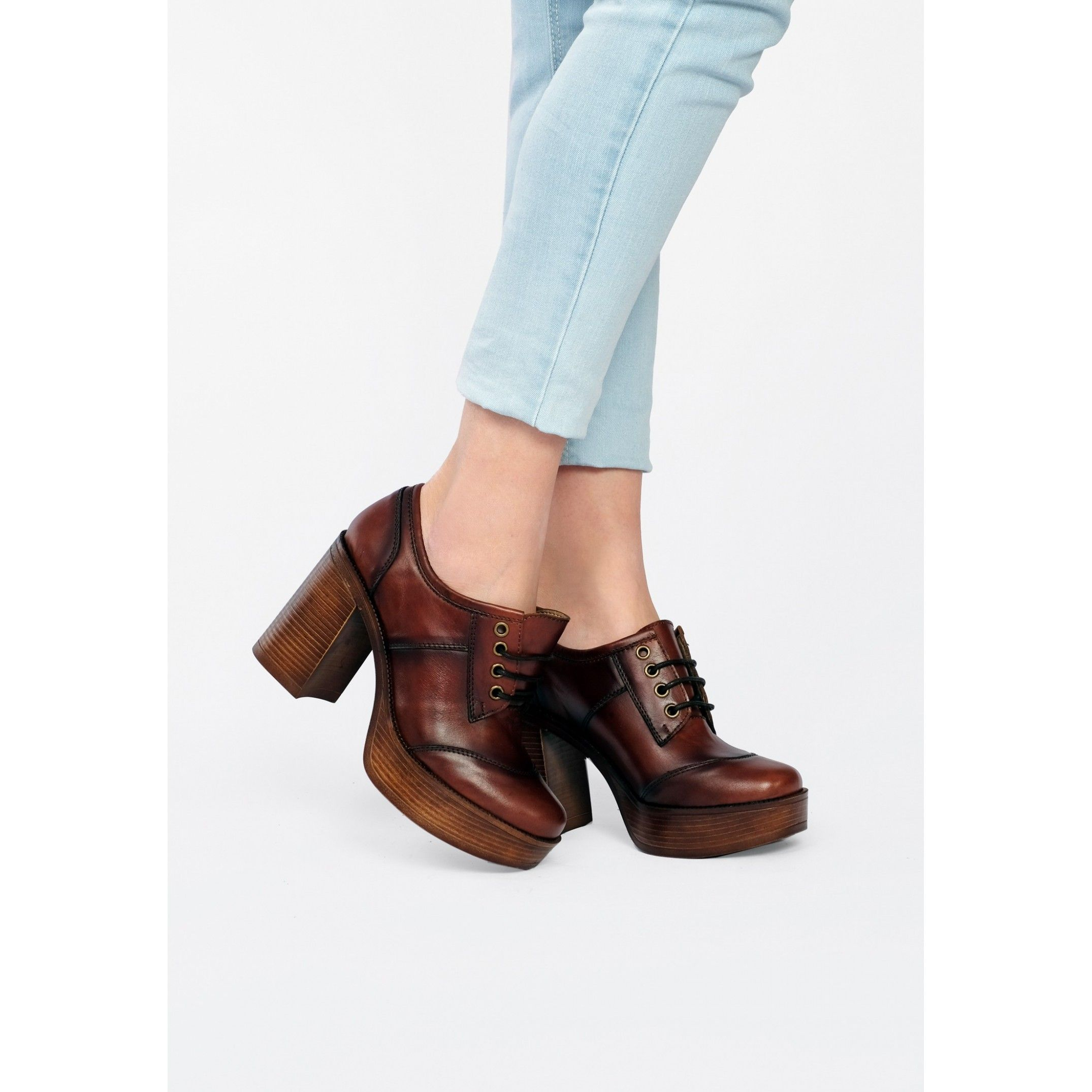 María Barceló Womens Loafers