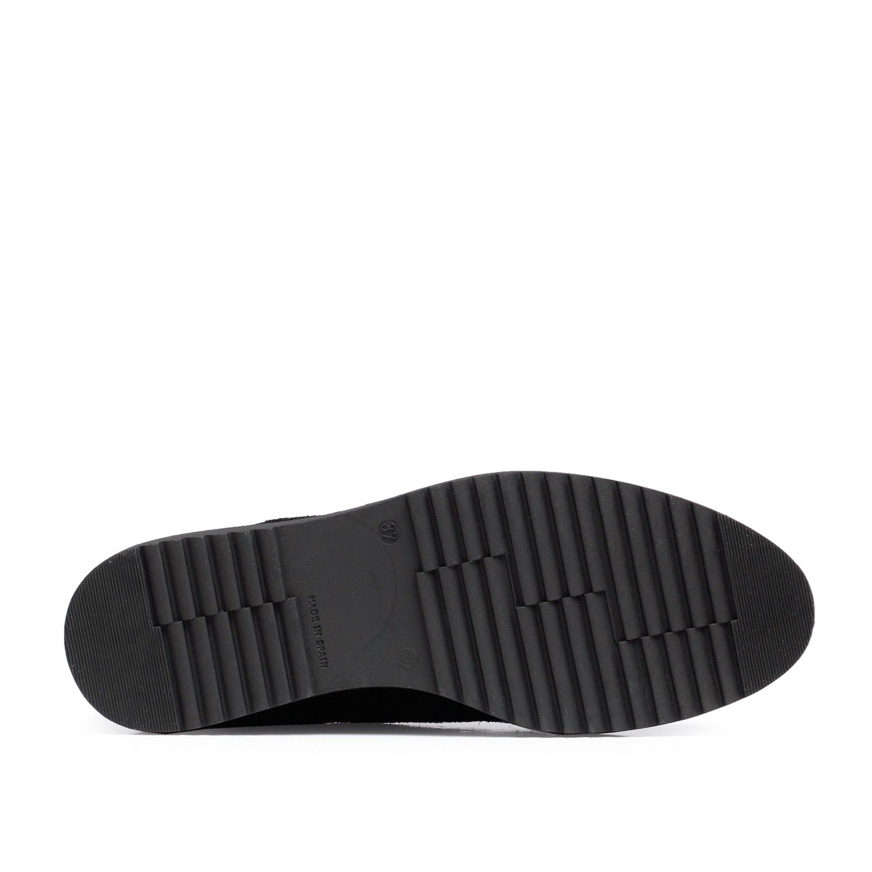 María Barceló Patent Leather Blucher Dress Shoes Women Black