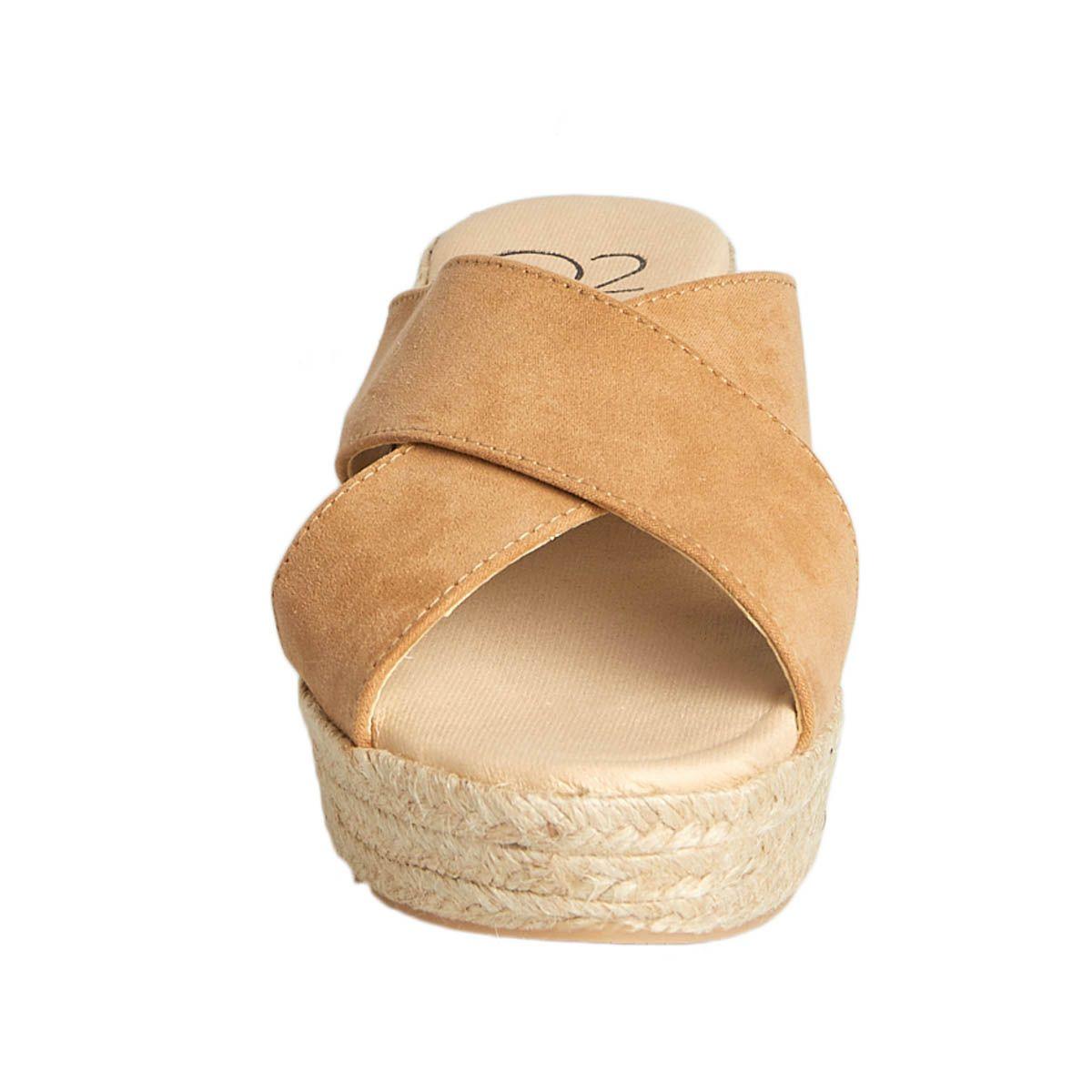 Leindia Sparto Wedge Sandal in Brown