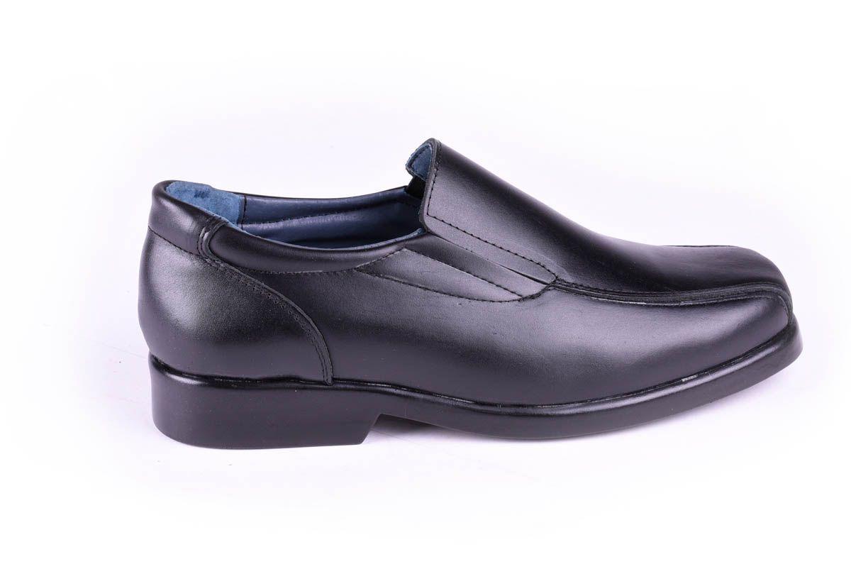 Purapiel Slip-On Moccasin in Black