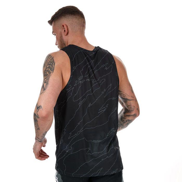 Men's Under Armour Futures Retro Vest in Black
