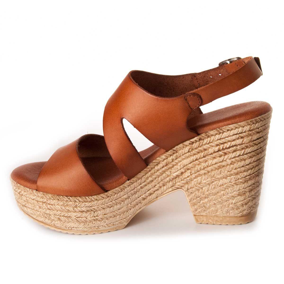 Leindia Platform Sandal in Camel