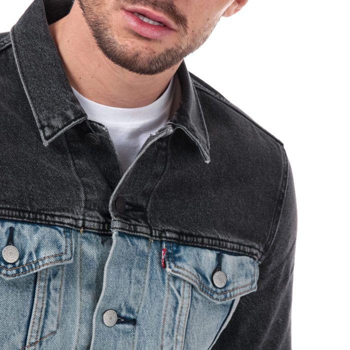 Men's Levis The Trucker Jacket in Denim