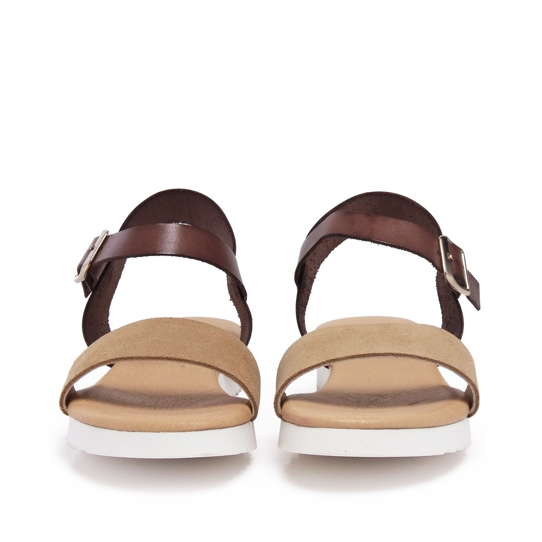 María Barceló Leather Flip Flop Sandals in Beige