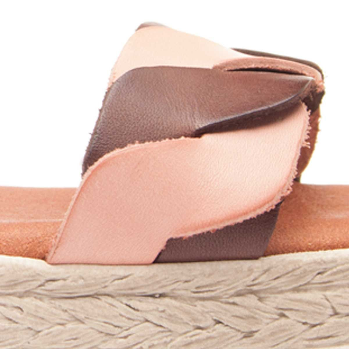 Leindia Strappy Sandal in Brown