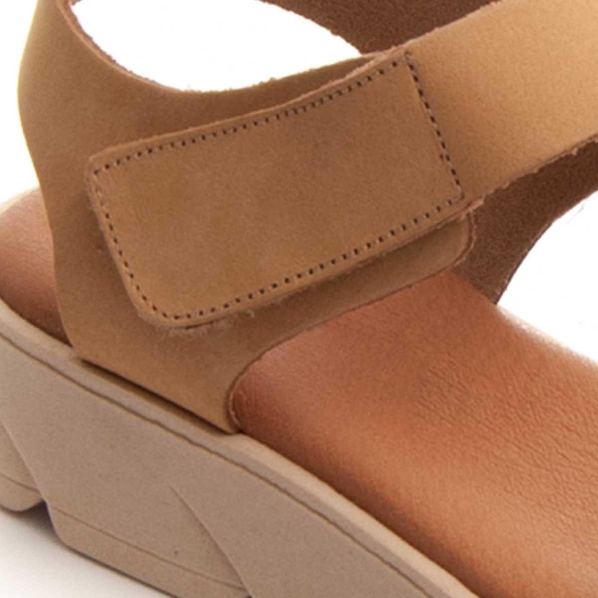Purapiel Strappy Sandal in Camel
