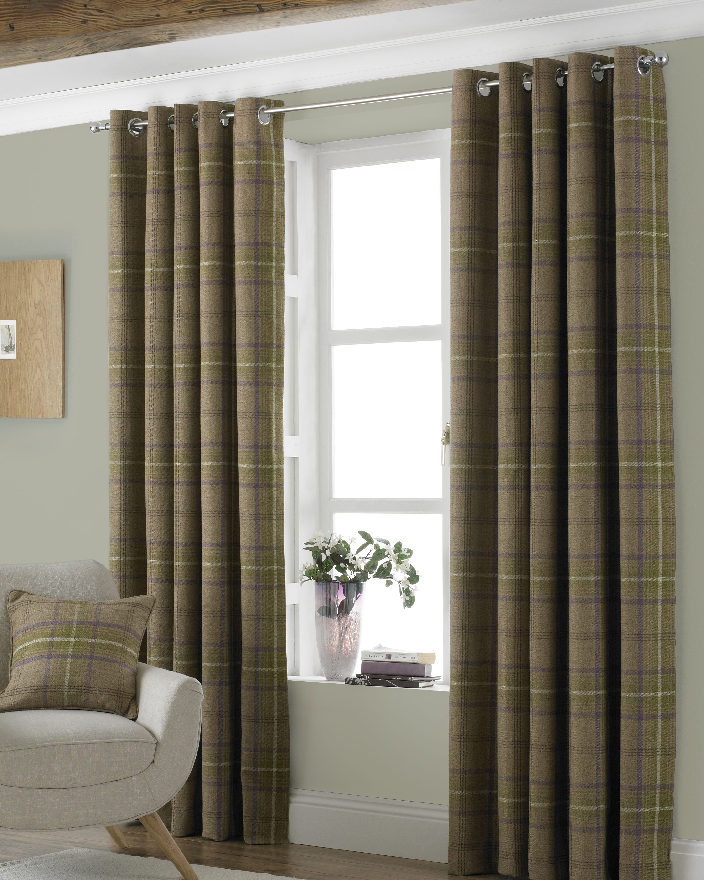 Aviemore Wool Effect Eyelet Curtains in Thistle
