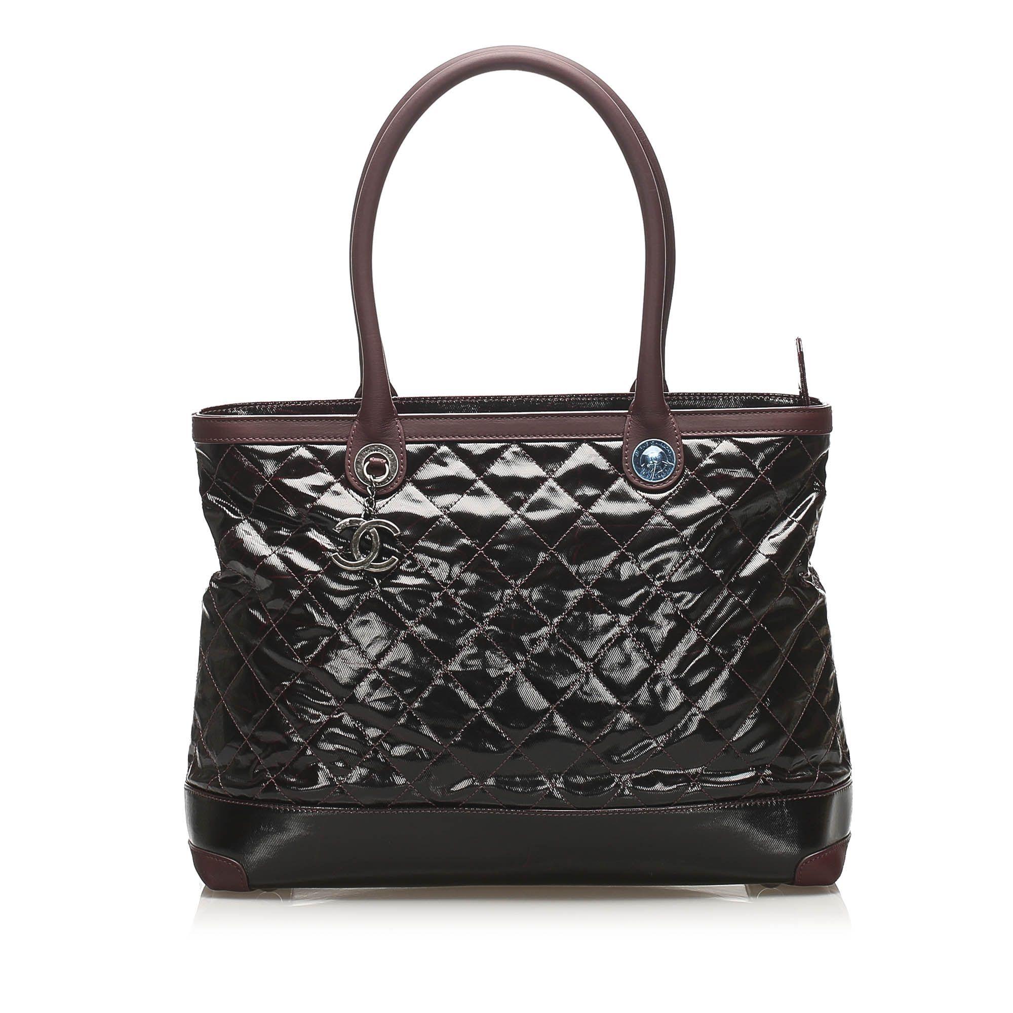 Vintage Chanel Matelasse Patent Leather Shoulder Bag Red