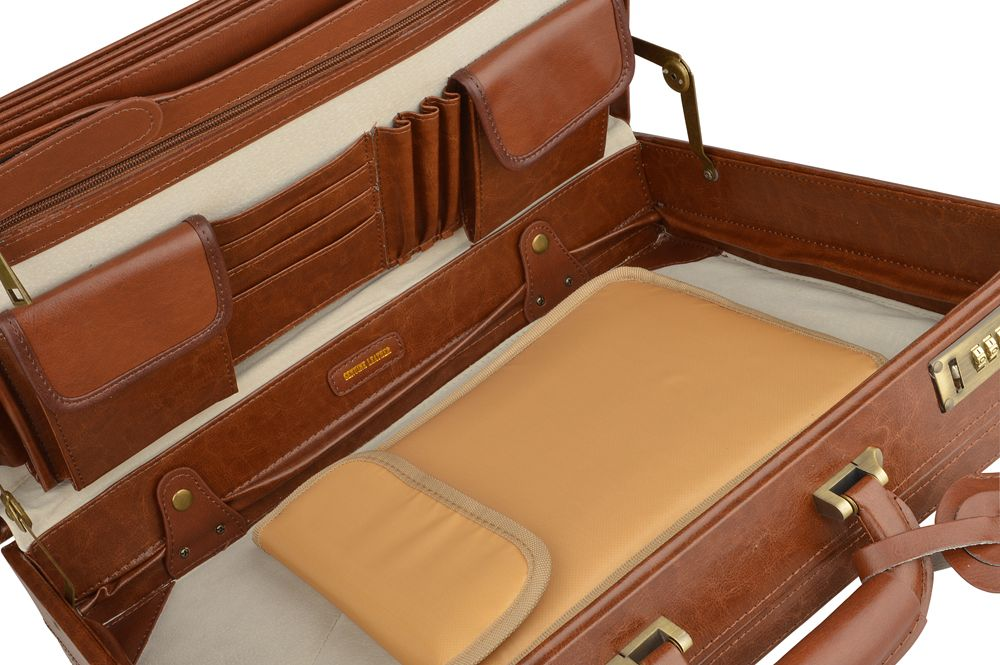 """Woodland Leather Cognac Attache 18"""" Multi Compartments Two Internal Pouch Pockets"""