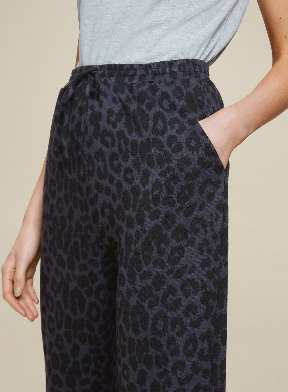 Dorothy Perkins Womens Black Animal Print Cuffed Leg Joggers Activewear Trousers