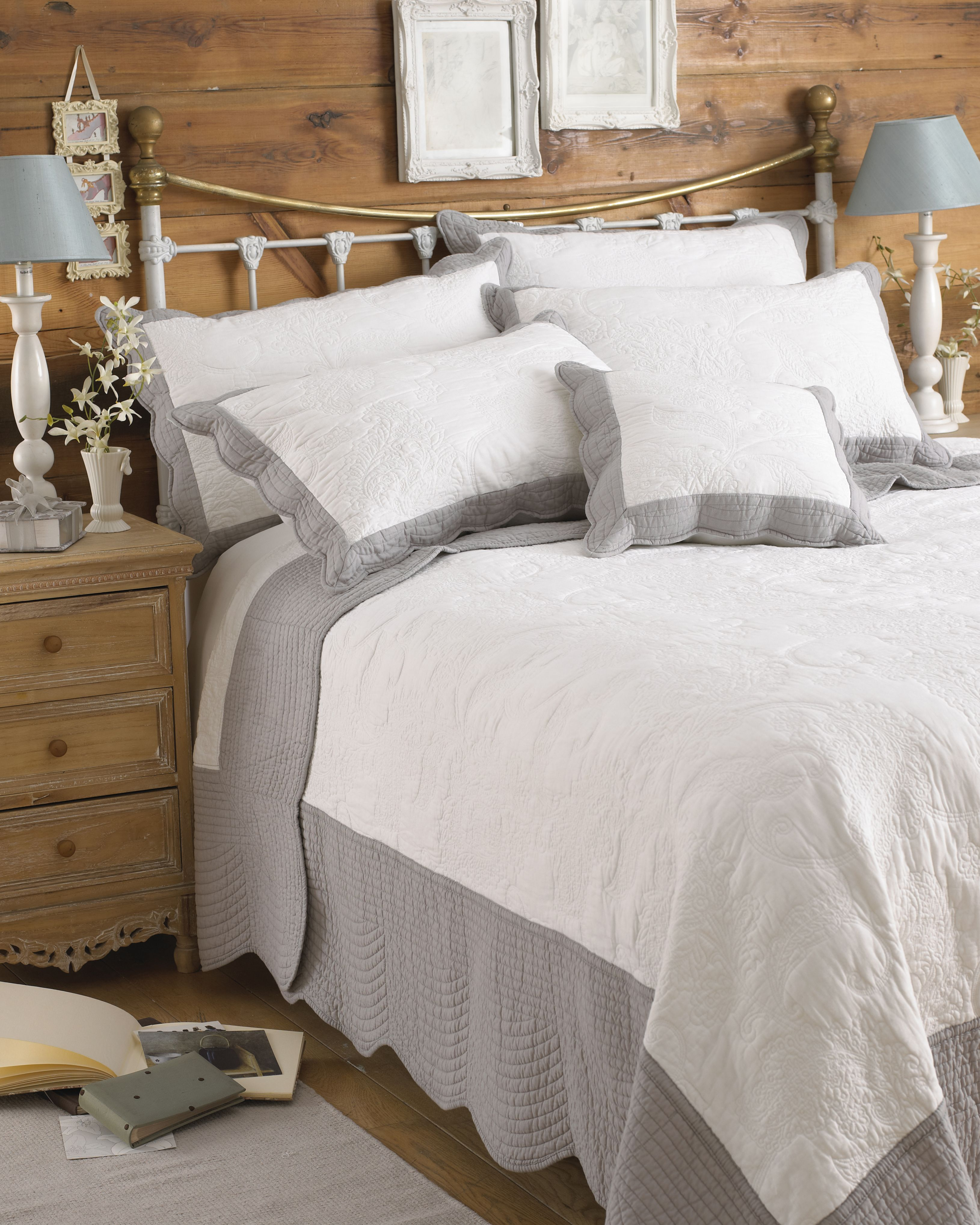 Fayence King  Bedspread Whi/Gry