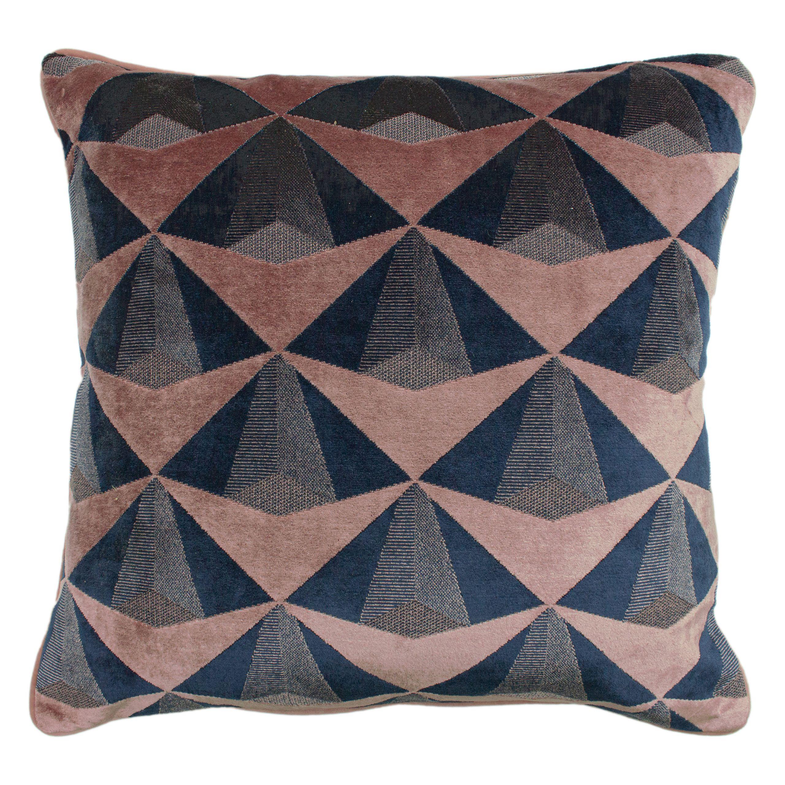 Leveque Cushion