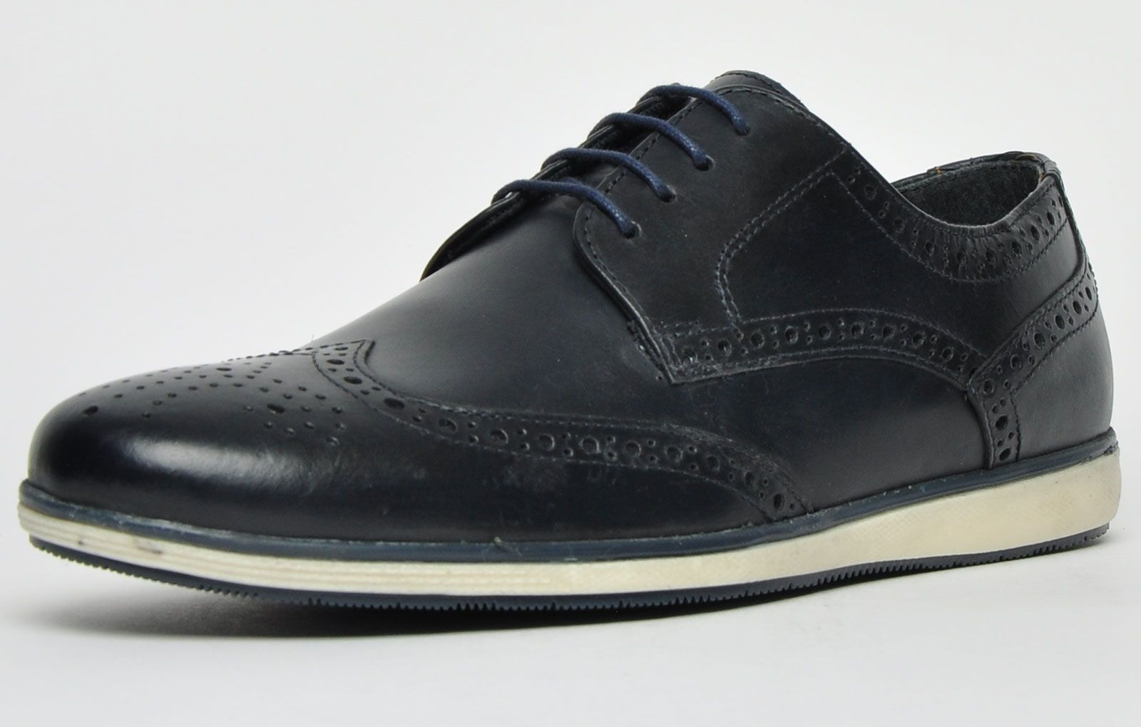 Red Tape Fulshaw Leather Brogue Mens