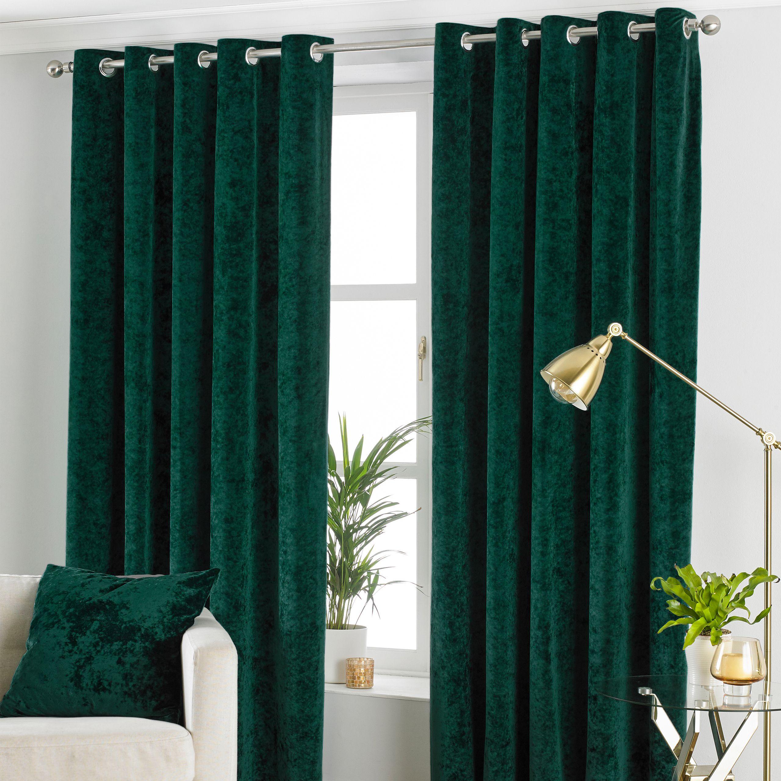 Verona Crushed Velvet Eyelet Curtains