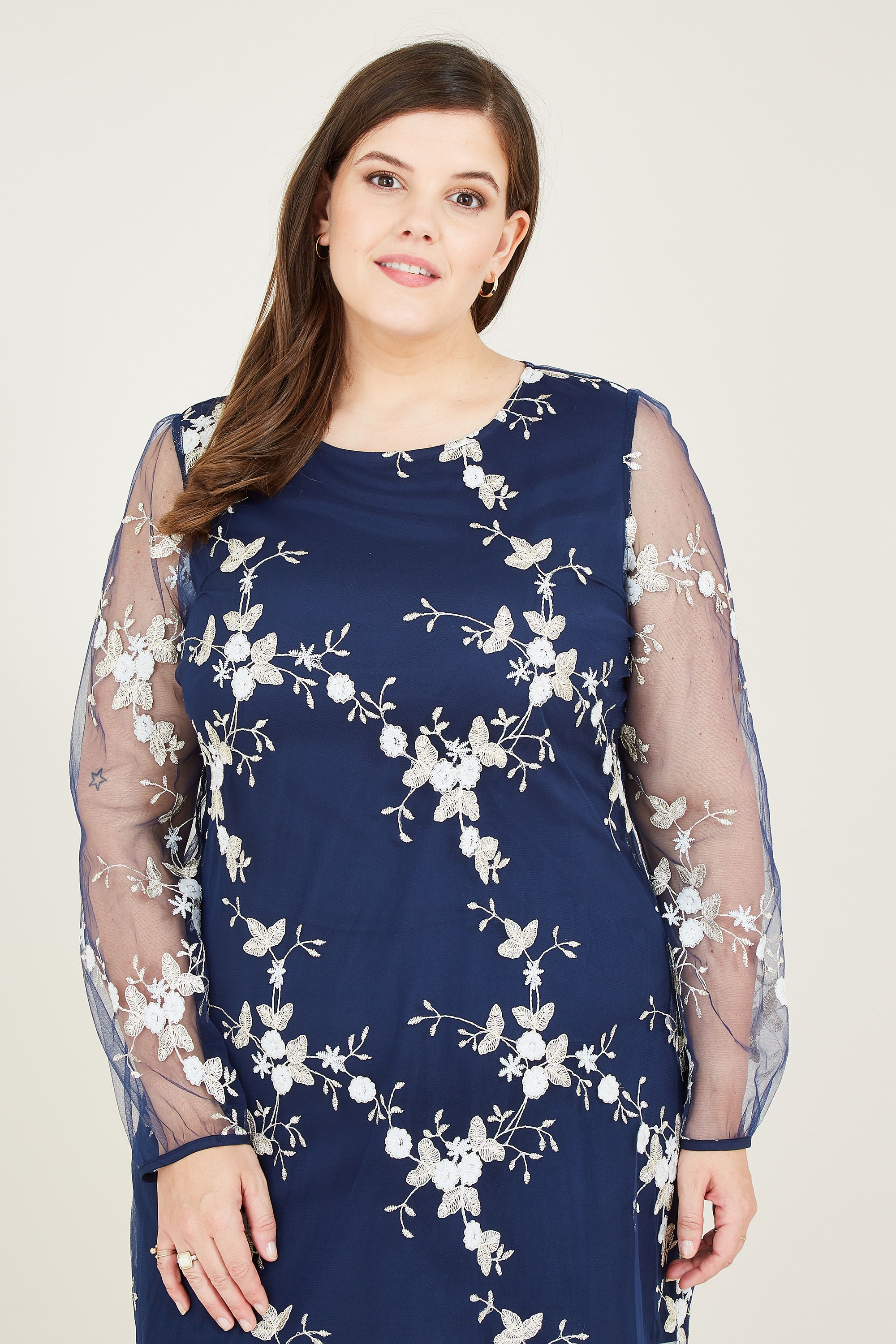 Yumi Curve Navy Embroidered Lace Mesh Tunic