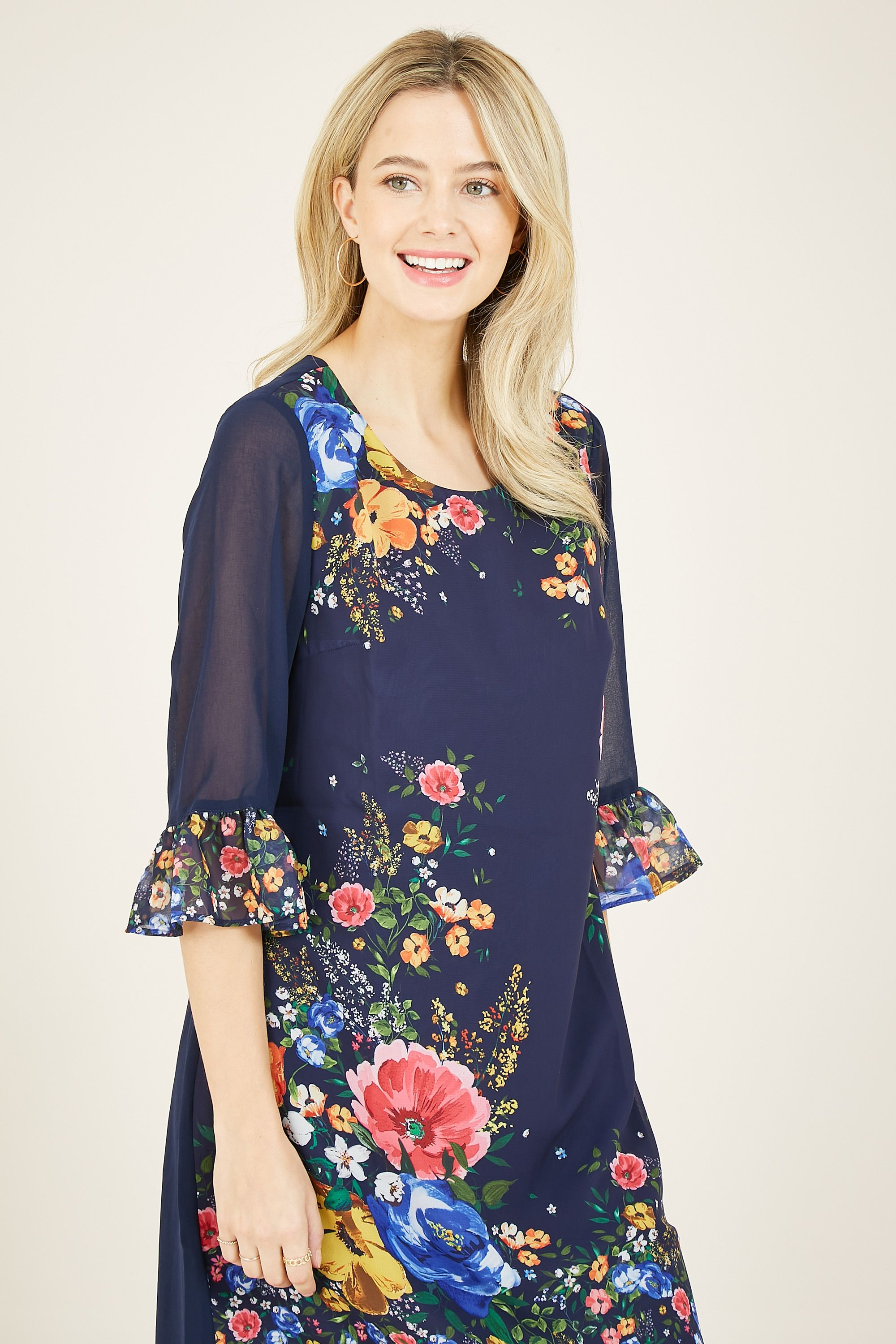 Yumi Navy Cluster Floral Placement Tunic