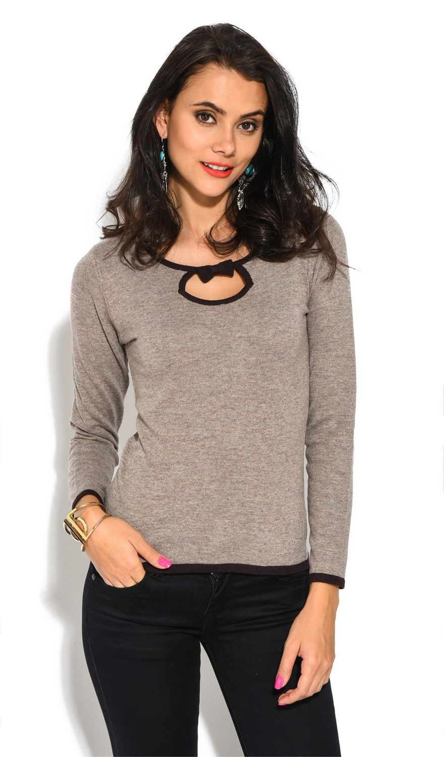 Assuili Round Neck Two-tone Butterfly Knot Sweater in Brown