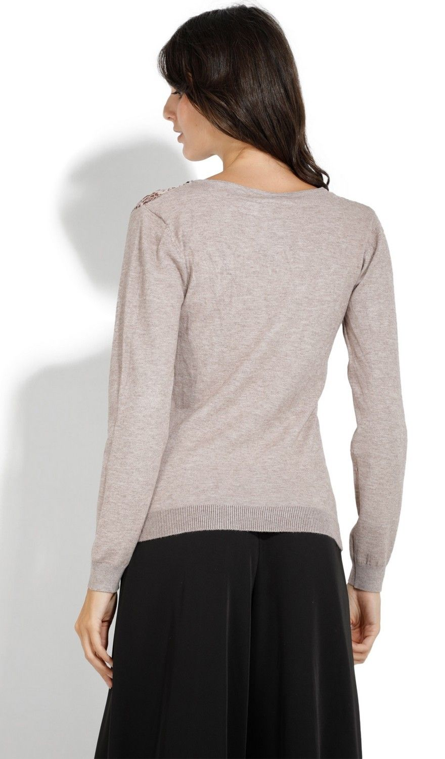 Assuili V-neck Long Sleeve Sweater with Lace in Beige