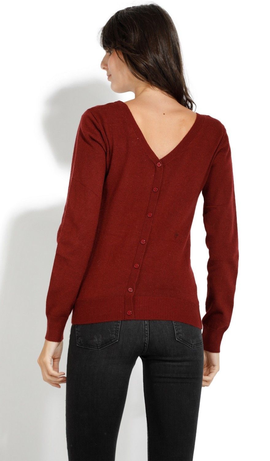 Assuili Boat Neck Buttoned Back Sweater in Maroon