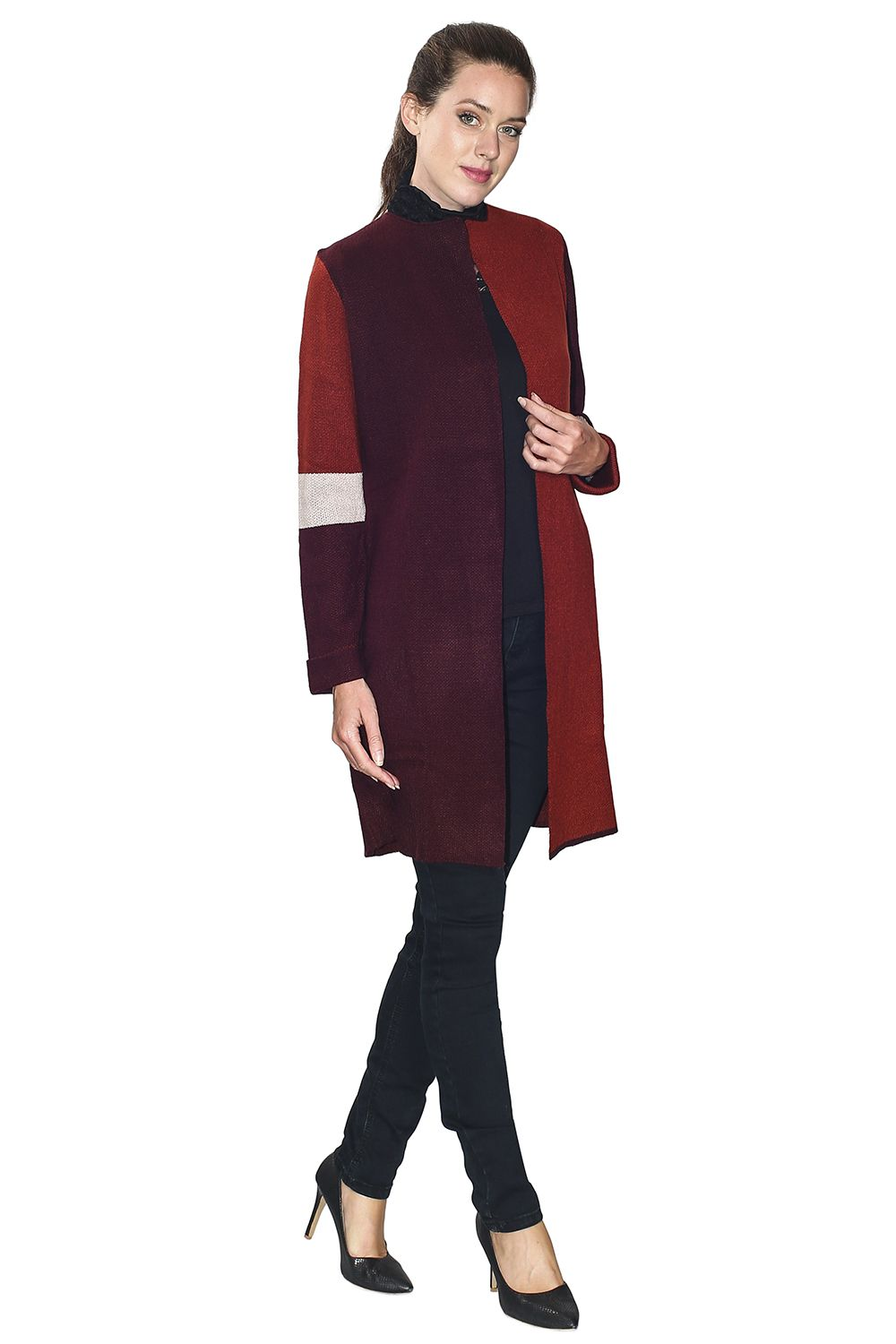 Assuili Long Sleeve Jacquard Patterned Cardigan with Aviator Sleeves and Pockets in Maroon