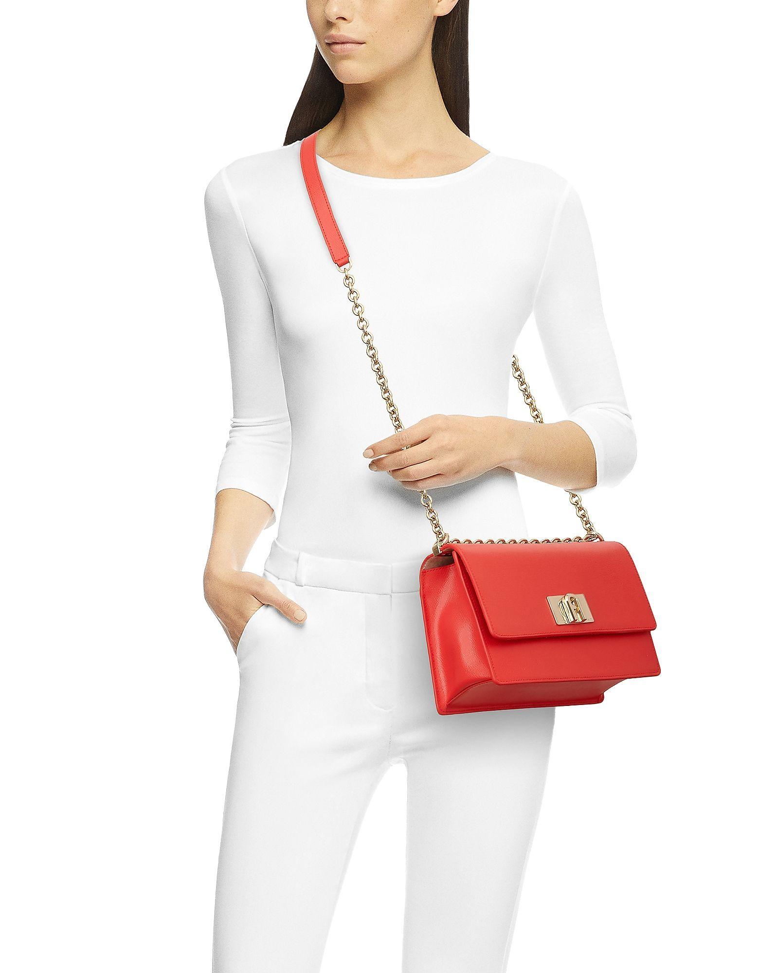 FURLA WOMEN'S 1057098 RED LEATHER SHOULDER BAG