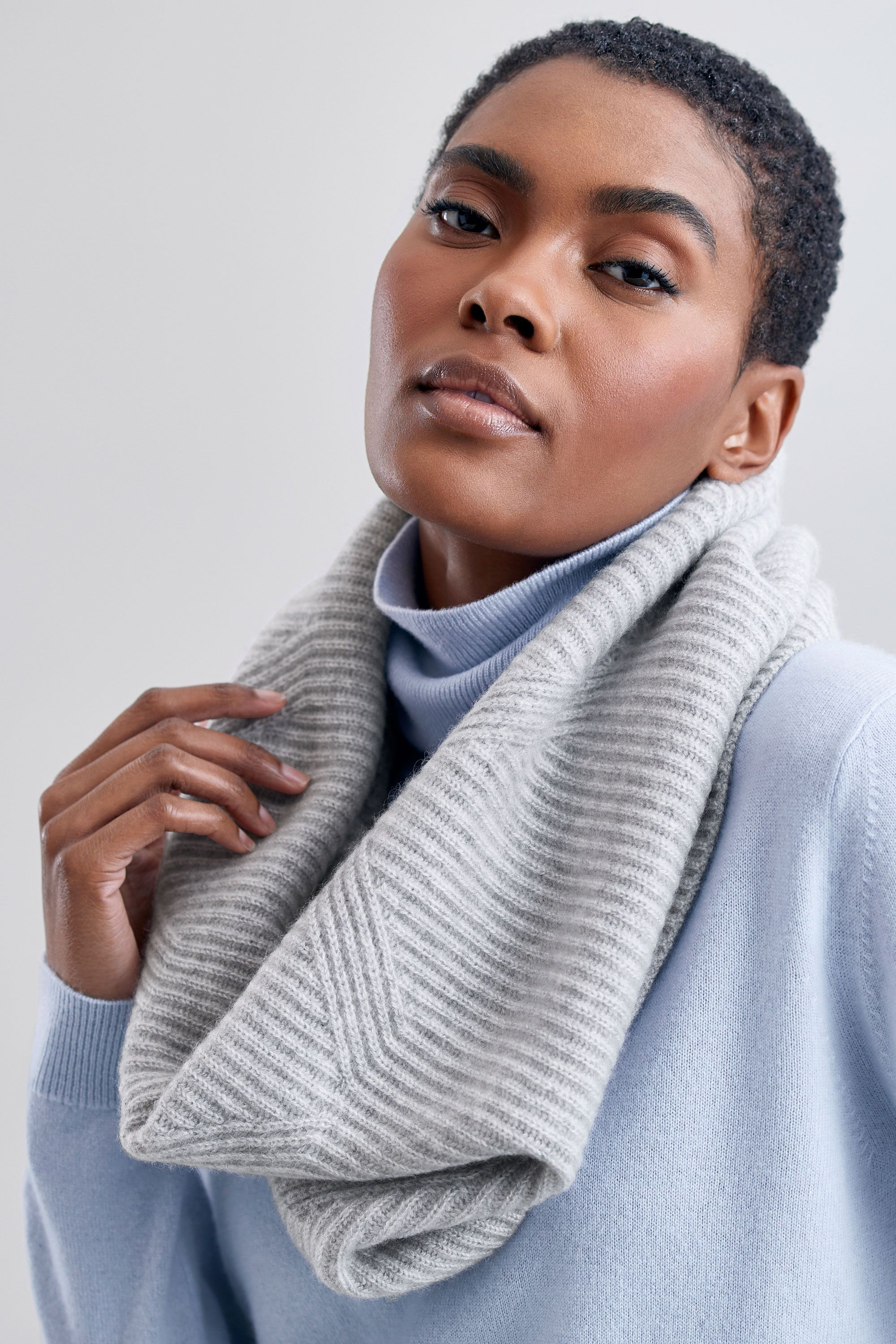 Cashmere Snood in Foggy
