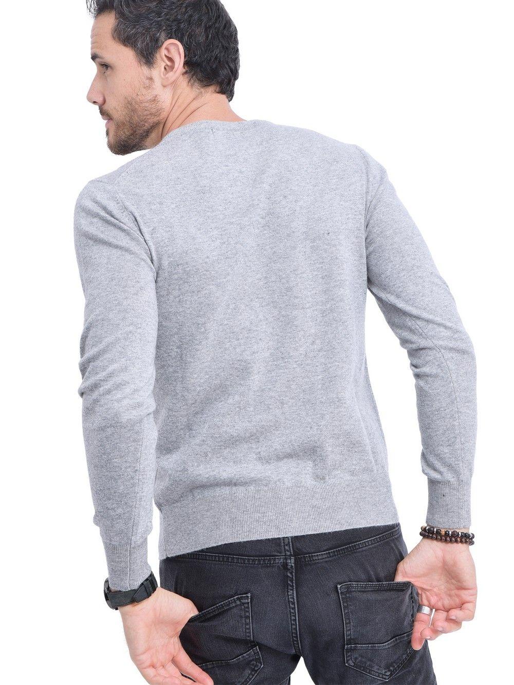 C&JO V-neck Sweater in Light Grey