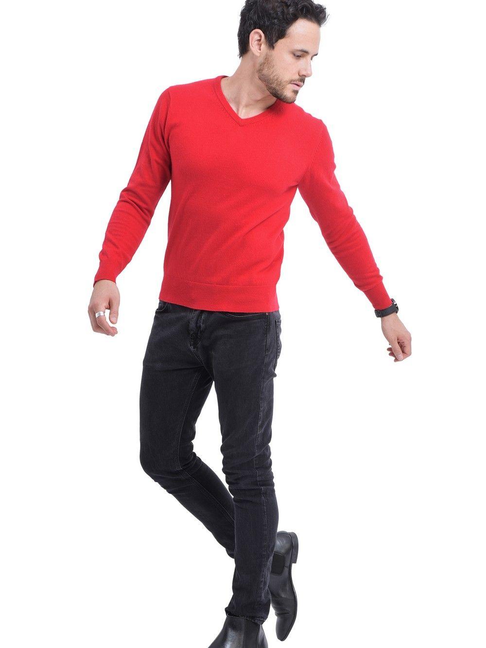 C&JO V-neck Sweater in Red
