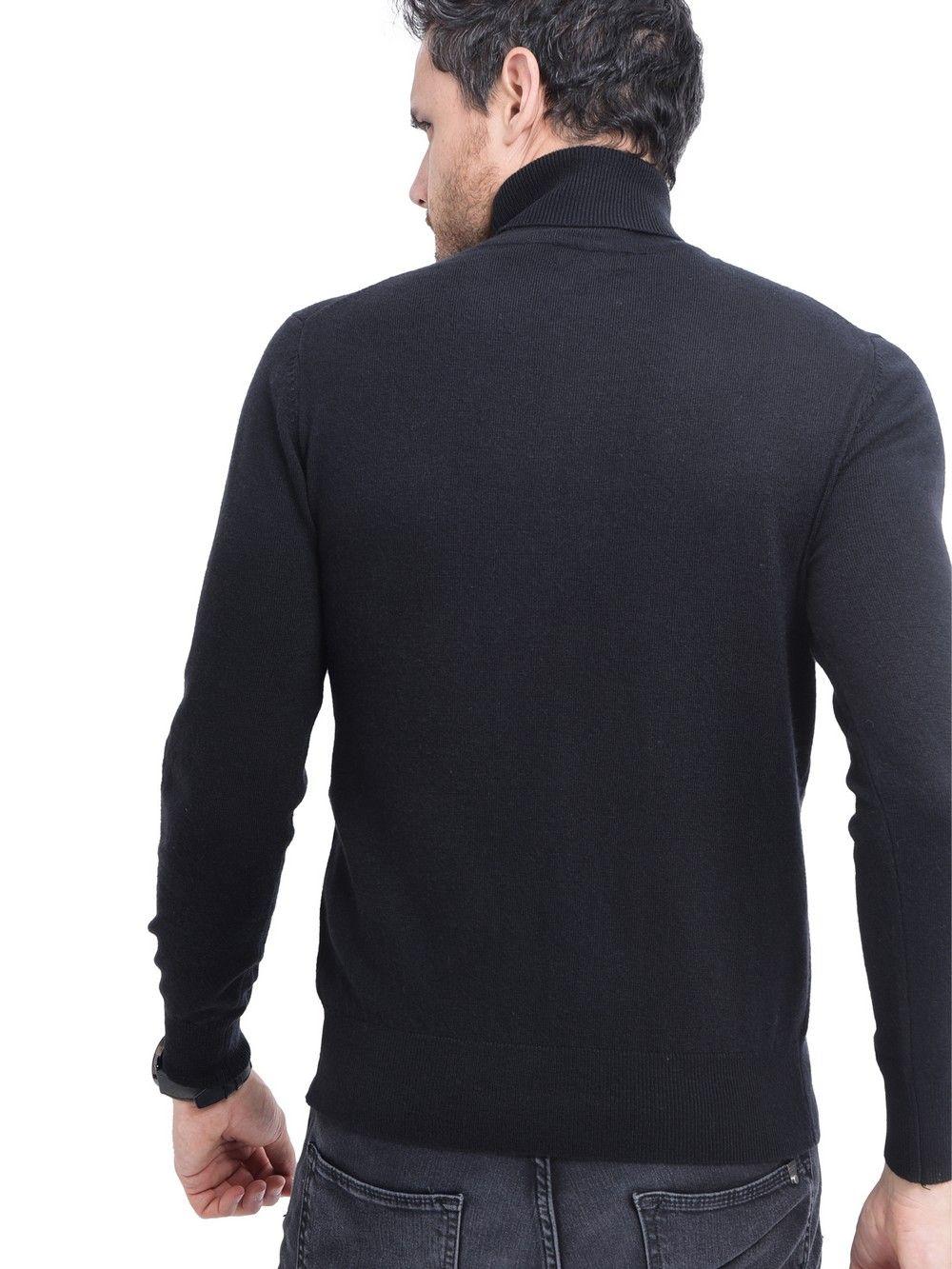 C&JO Turtleneck Sweater in Black