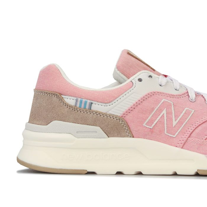 Women's New Balance 997 Trainers in Pink