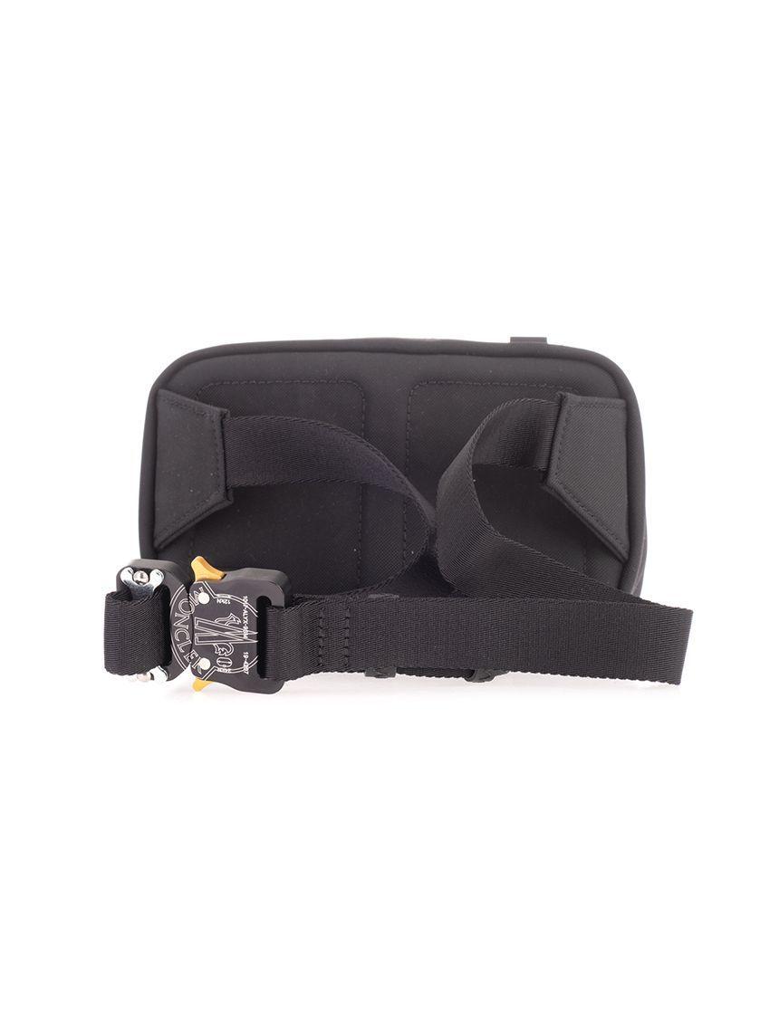 MONCLER MEN'S 0060200549ZM999 BLACK POLYESTER BELT BAG