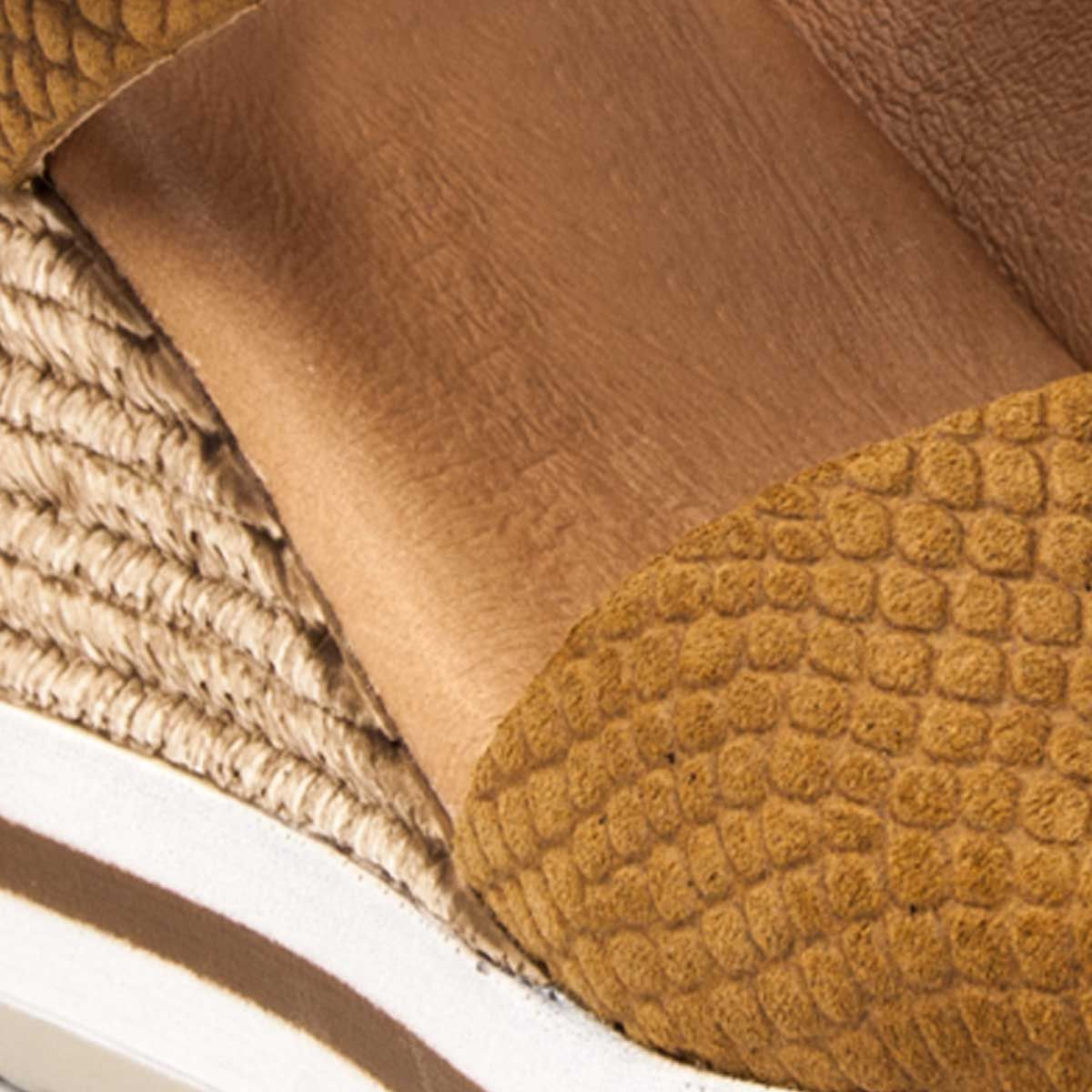 Purapiel Wedge Sandal in Camel