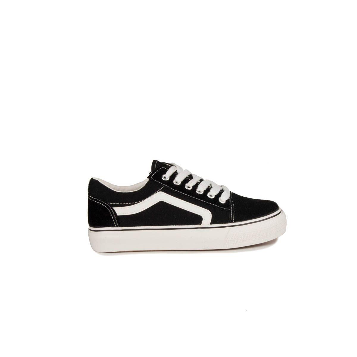 Montevita Comfortable Sneaker in Black
