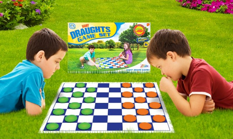Garden Game - Giant Draughts