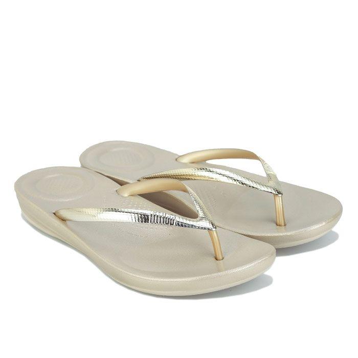 Women's Fit Flop Iqushion Ergonomic Flip Flops in Gold