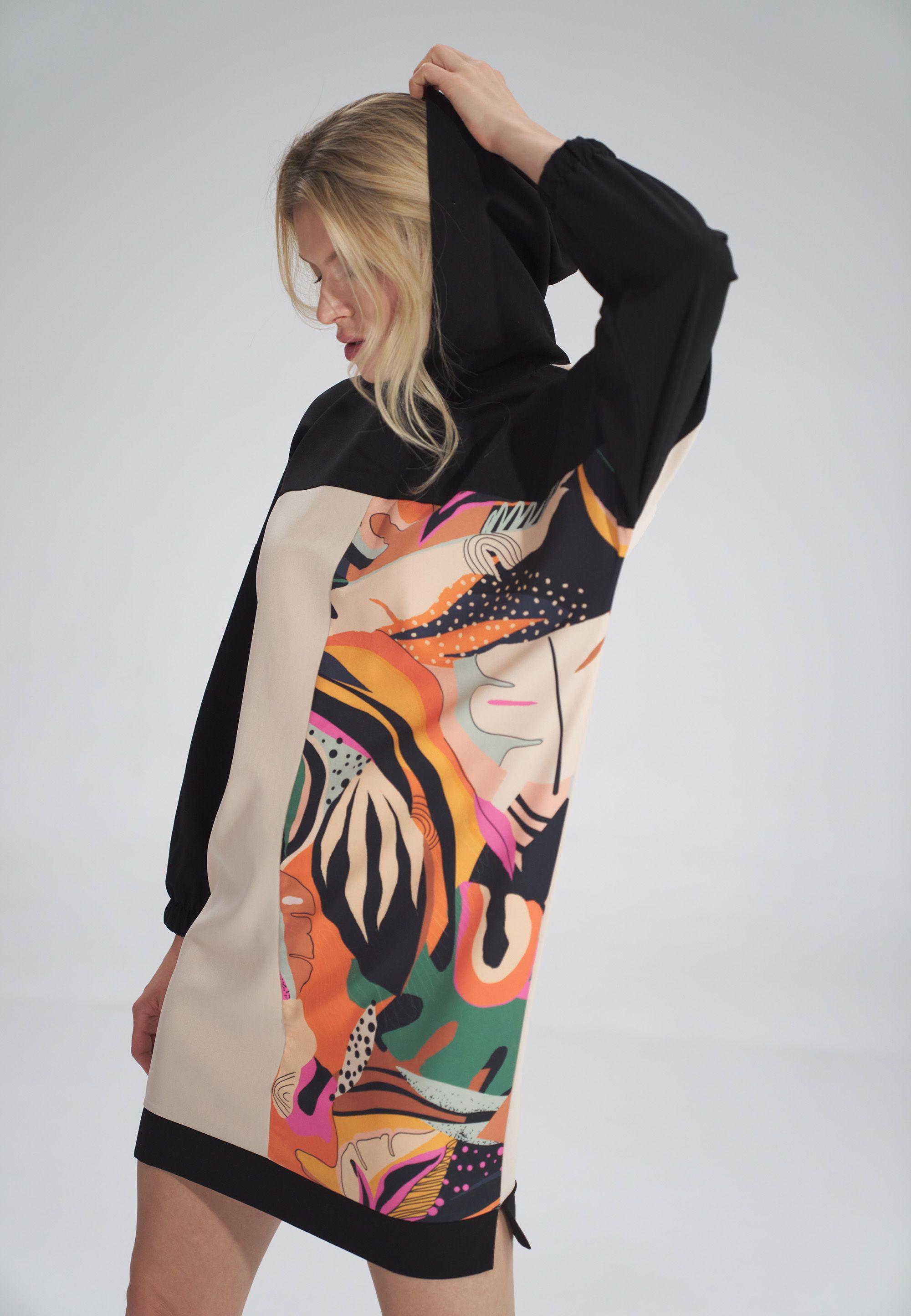 Three-color midi dress with a hood