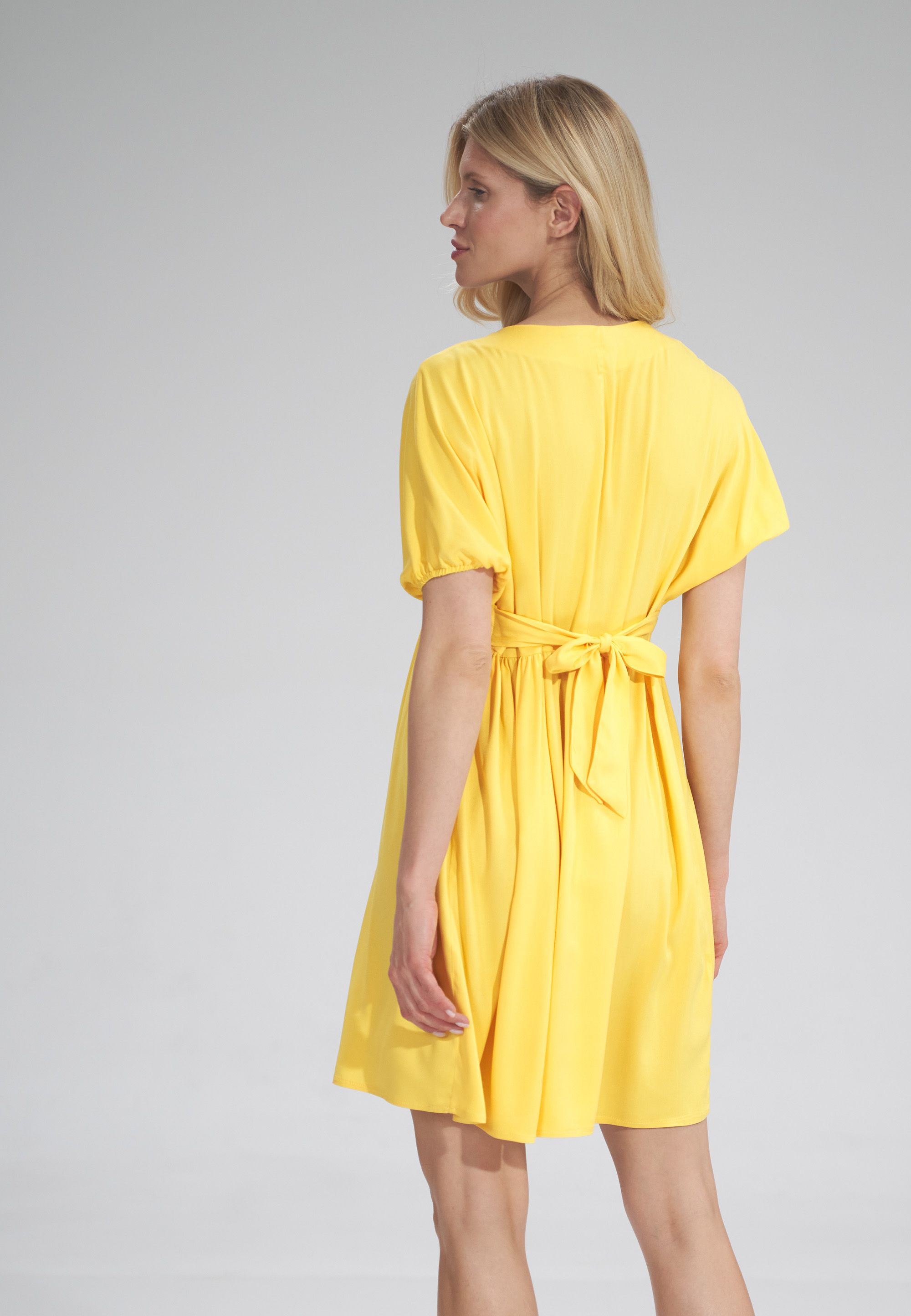 Loose knee-length dress
