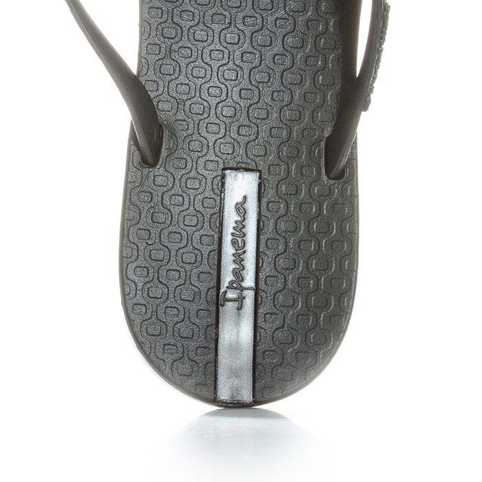 Women's Ipanema Maxi Heart Flip Flops in Black